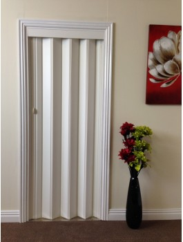 Rapid Folding Door 880mm White